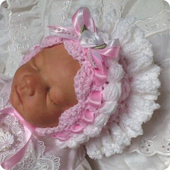 BEAUTIFUL_BABYS_BONNETS_002_small2