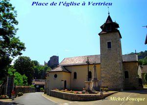 3511) église et chateau vieux à Vertrieux