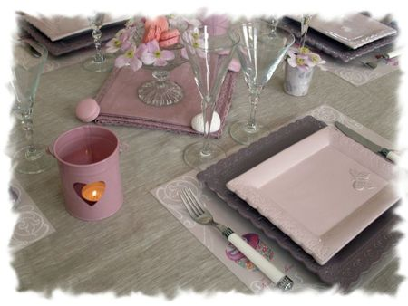 table rose poudrée 001