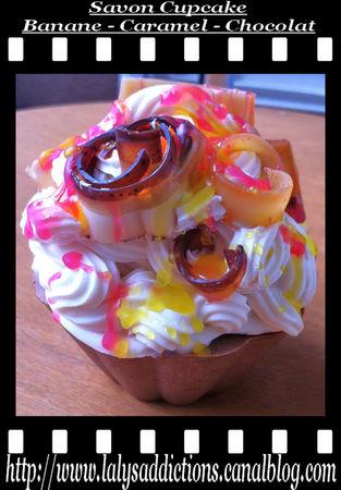 savon_cupcake_banane_caramel_chocolat_avec_deco