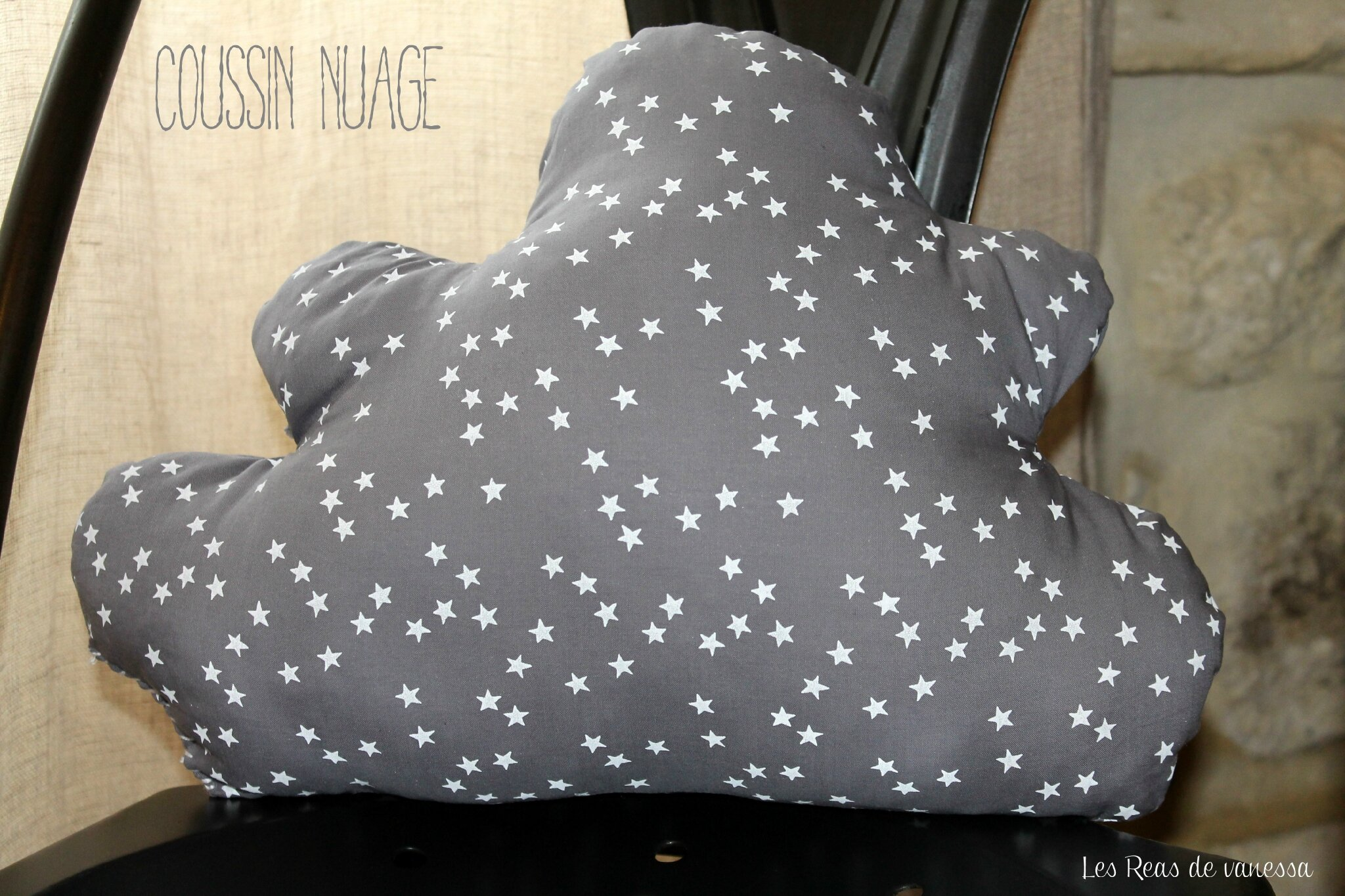 coussin nuage la maman des p 39 tits bouchons. Black Bedroom Furniture Sets. Home Design Ideas