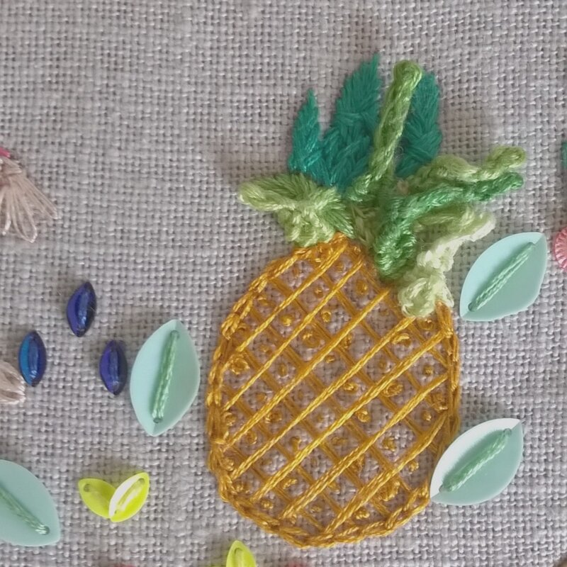 ananas-au-point-noeud-et-feuilles-point-picot
