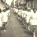 Toutes les écoles laïques de Sainte-Foy participaient au défilé,
