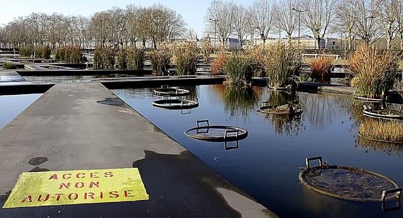 Bassin de jardin bordeaux bassin de jardin for Appartement bordeaux jardin botanique