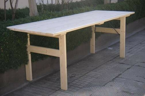 Pour un gain de place nos tables bancs et bulgarie for Table exterieur gain de place