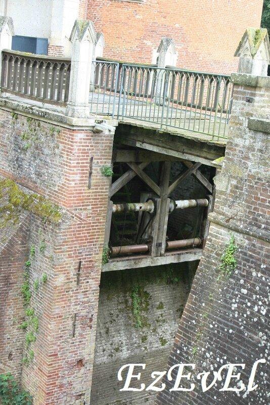 Rambures pont levis EzEvEl