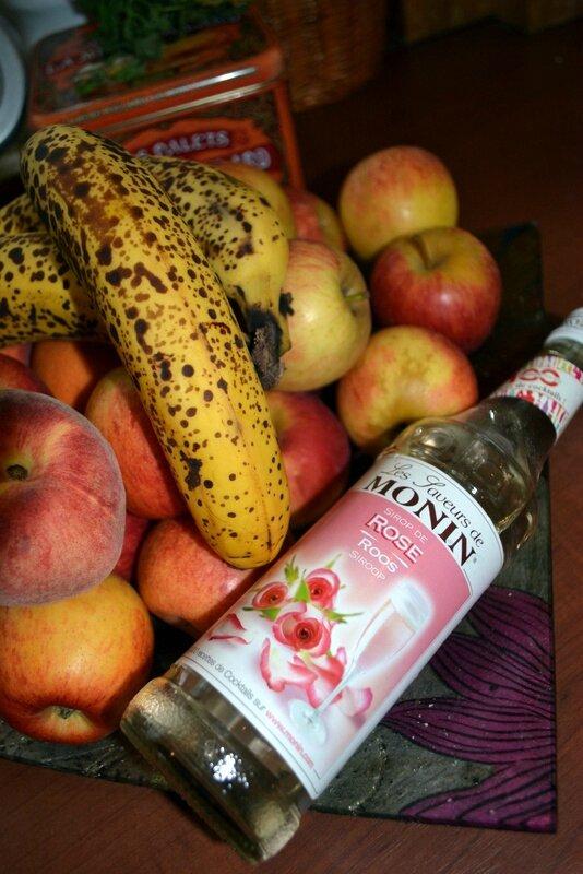Milkshake banane sirop de rose cuisiner avec ses 5 sens - Cuisiner avec un blender ...