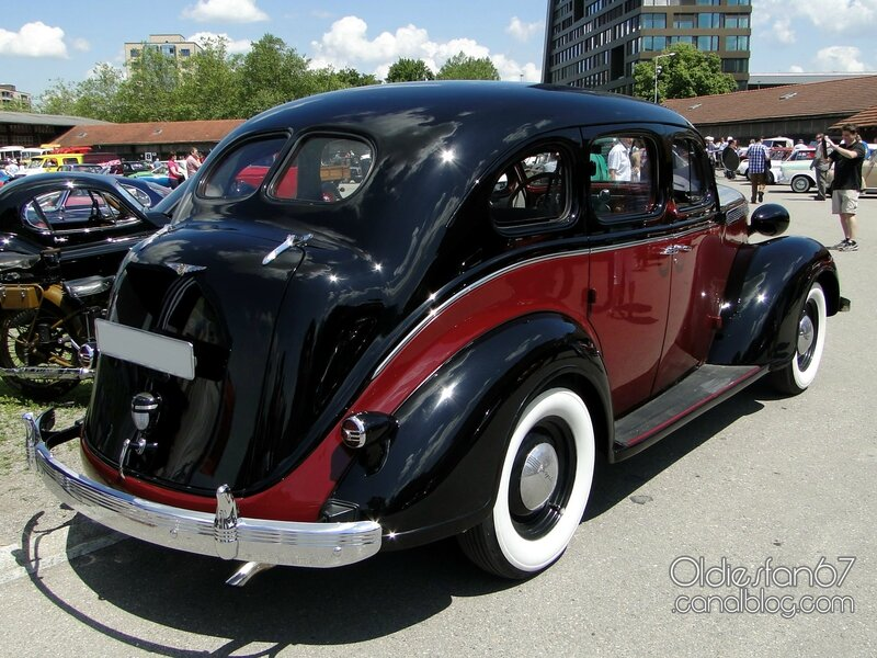chrysler-royal-touring-sedan-1937-02