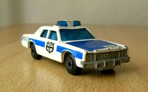 Plymouth gran fury -Matchbox- (1979) 01