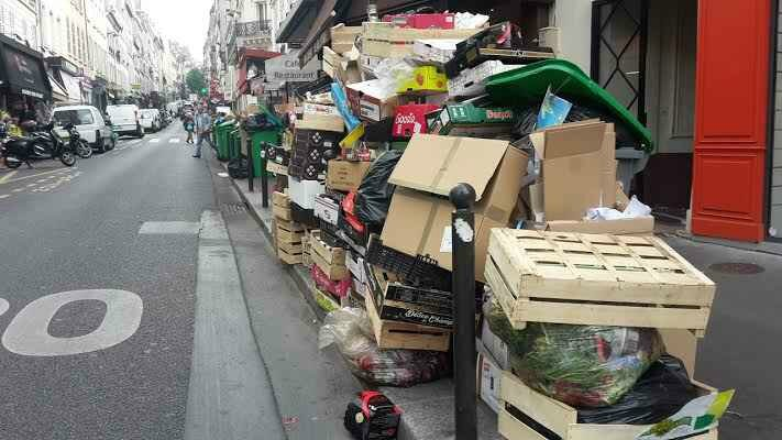 2048x1536-fit_poubelles-entassent-paris-veille-euro