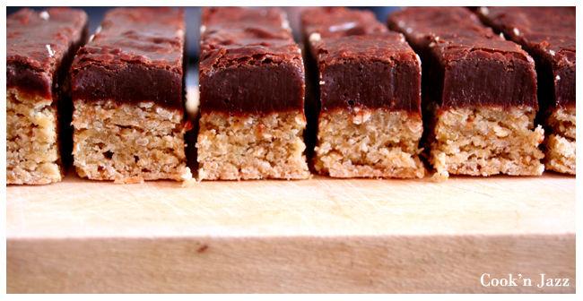 Biscuits_aux_flocons_d_avoine_et_chocolat