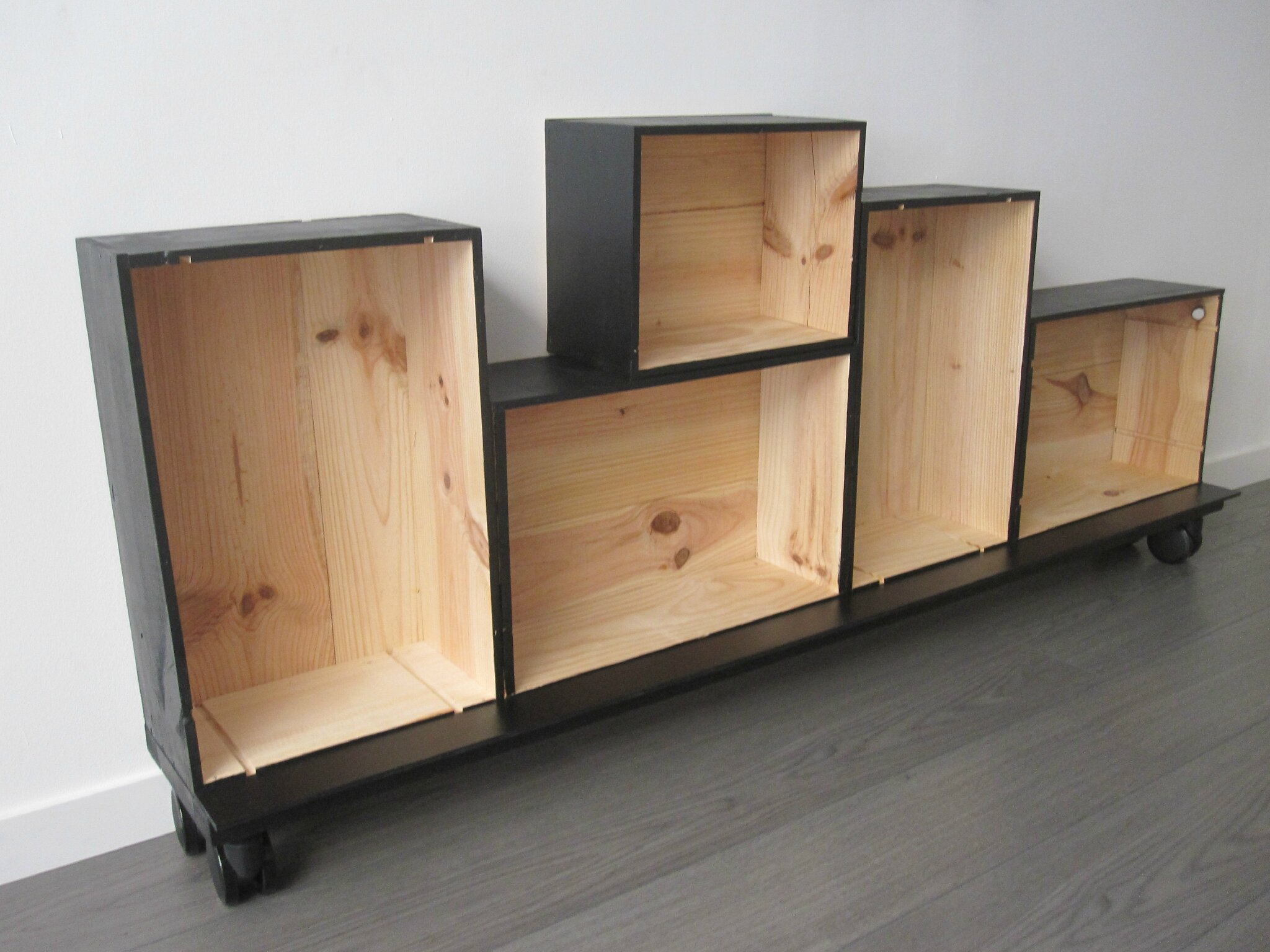 caisse en bois ikea. Black Bedroom Furniture Sets. Home Design Ideas