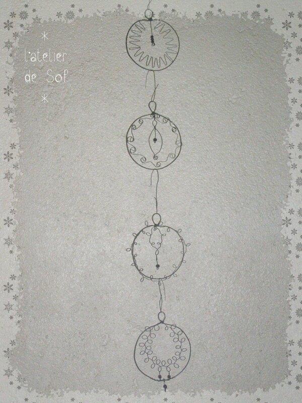boules de Noël en fil de fer