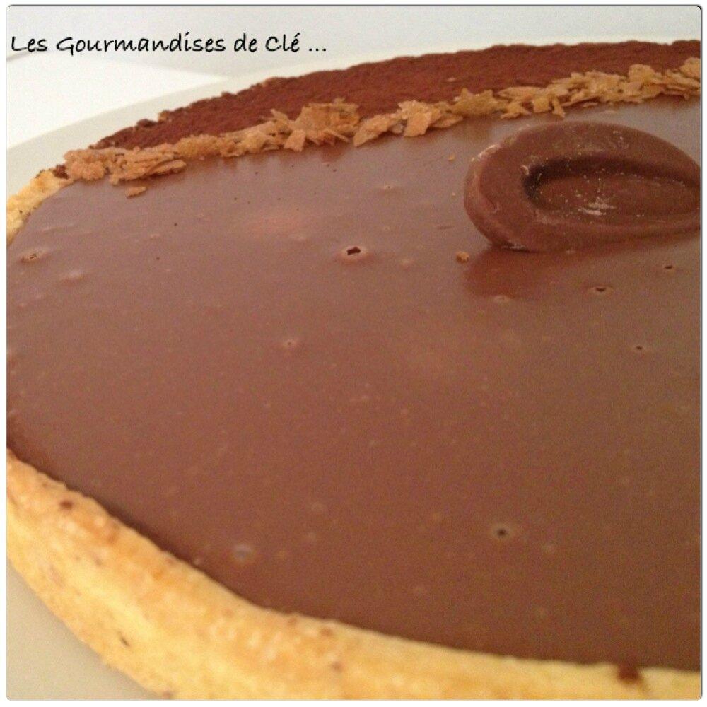 tarte noisettes chocolat au lait les gourmandises de cl. Black Bedroom Furniture Sets. Home Design Ideas