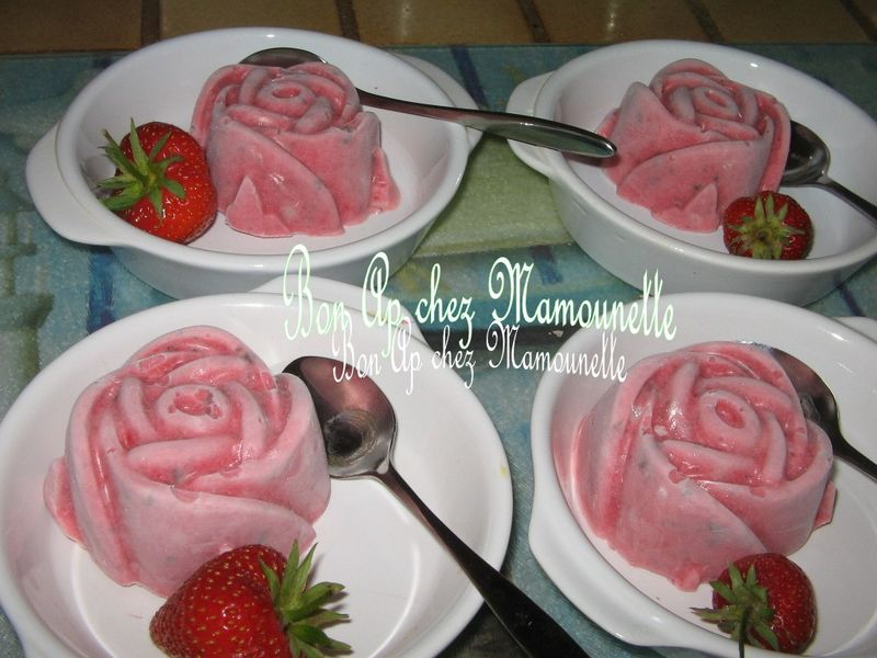 glace la fraise bio du jardin sans sorbeti re pour une. Black Bedroom Furniture Sets. Home Design Ideas