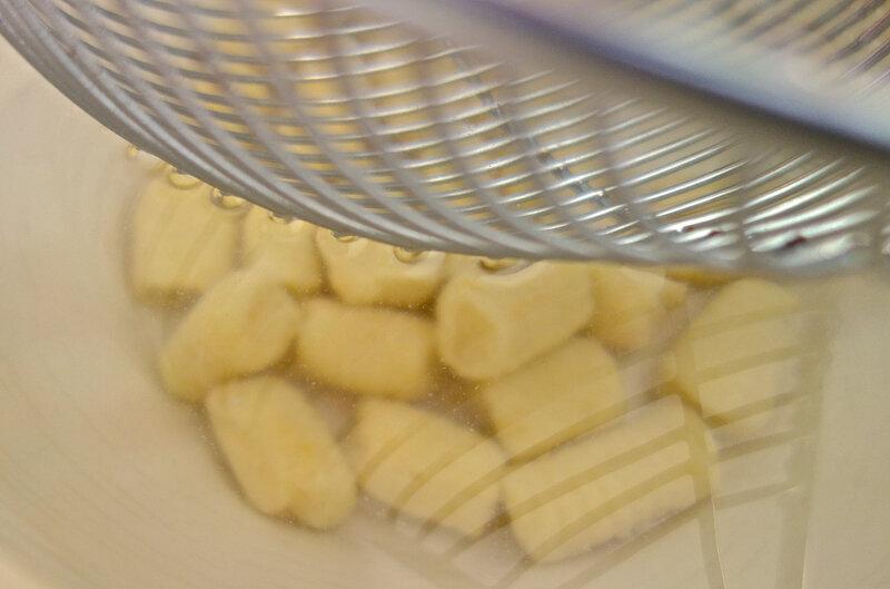 gnocchi dans l'eau froide
