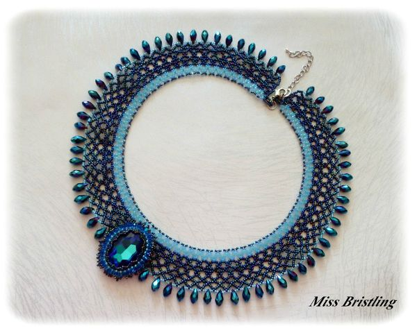 Collier M