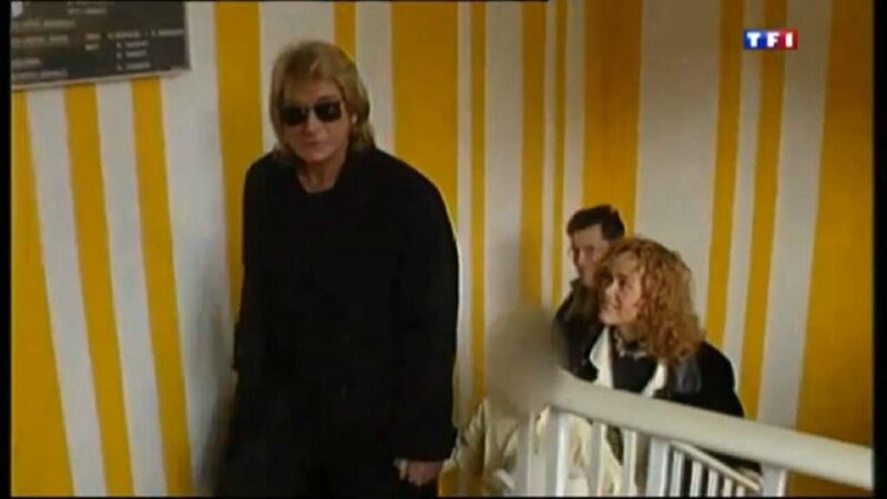 le 07 janvier 2014 Johnny sur TF1 pour les piéces jaunes (10)