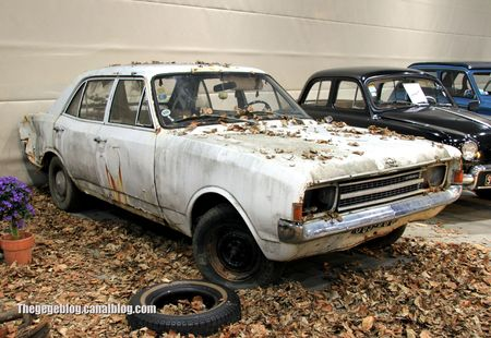 Opel rekord type C (RegioMotoClassica 2011) 01