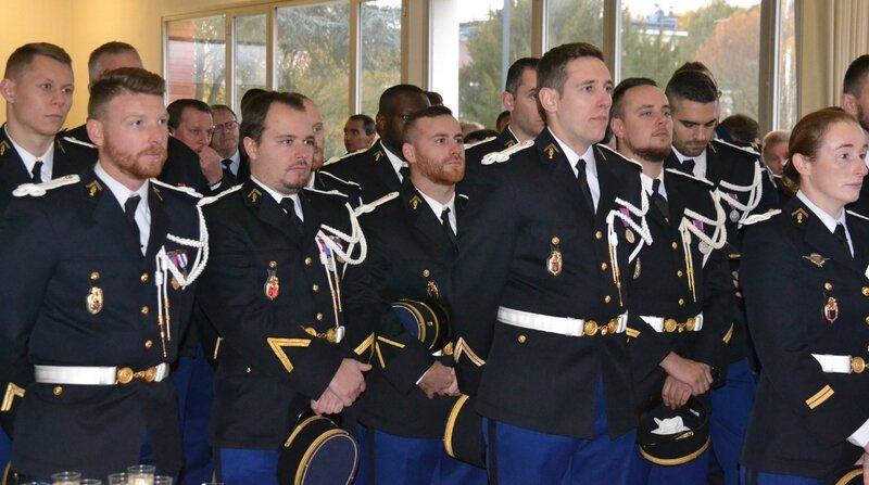ESCADRON GENDARMERIE MOBILE 2017 PRISE COMMANDEMENT CAPITAINE KIPPEURT gendarmes