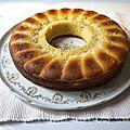 Gâteau au yaourt à la grecque et à la rhubarbe