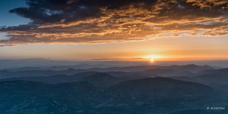 Lever du soleil sur le mont ventoux-8400