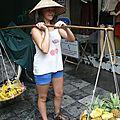 vendeuse ambulante de fruits
