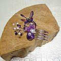Peigne à chignon papillon et perles mauve