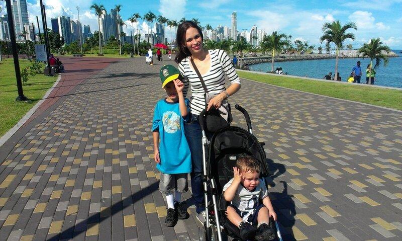 Veronica et ses deux enfants à Panama