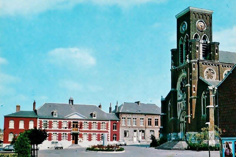 FOURMIES La Place de l'église 001