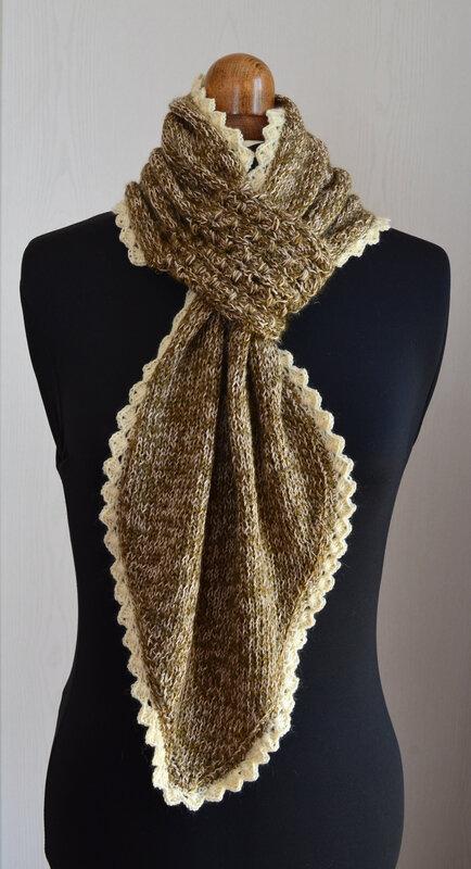 Echarpe à passant -laine-crochet -tricot