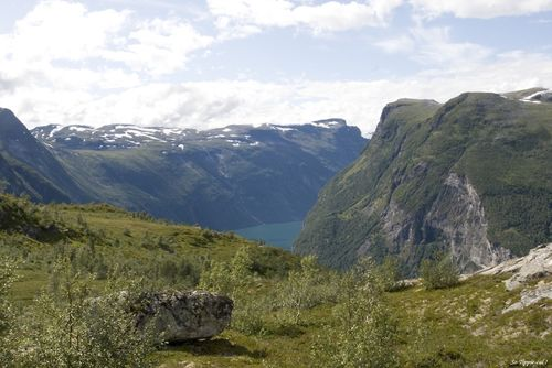 0048geiranger_walking_fjord2