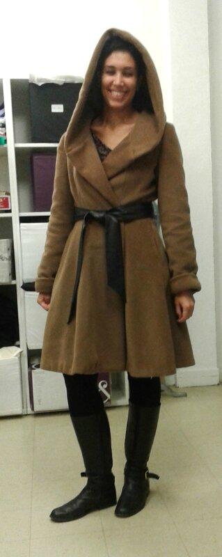 Manteau devant capuche claire