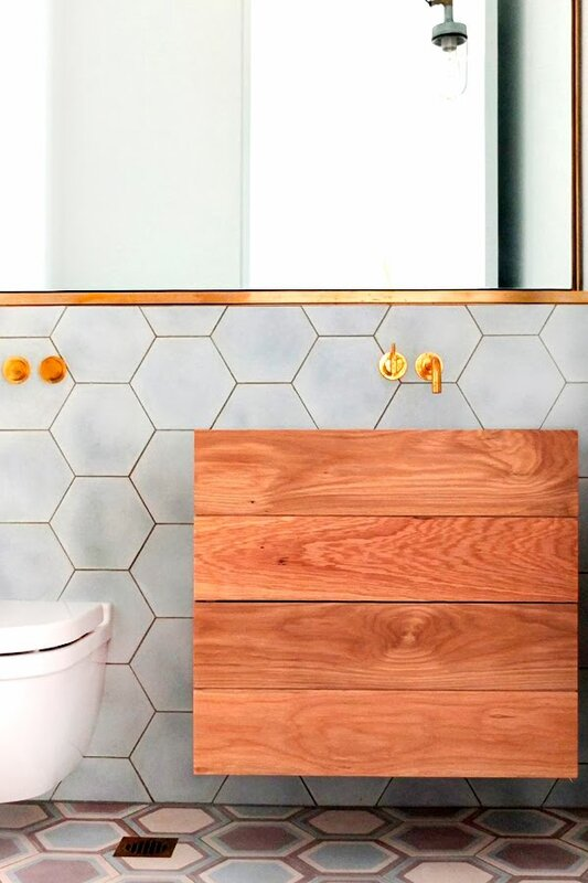 Honeycomb_tiles_brass_finishes2