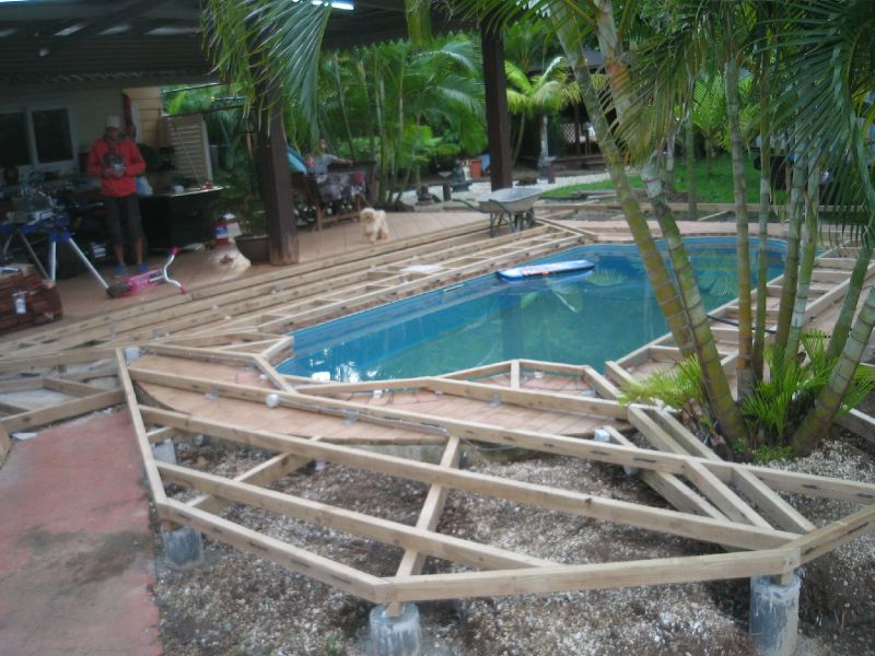 Deck tour de piscine en cumanu lasure incolore pause deck for Plan pour deck de piscine