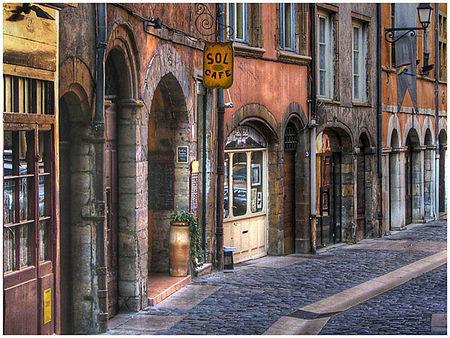une_rue_du_vieux_lyon