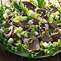 Salade au roti de boeuf pesto et raisins