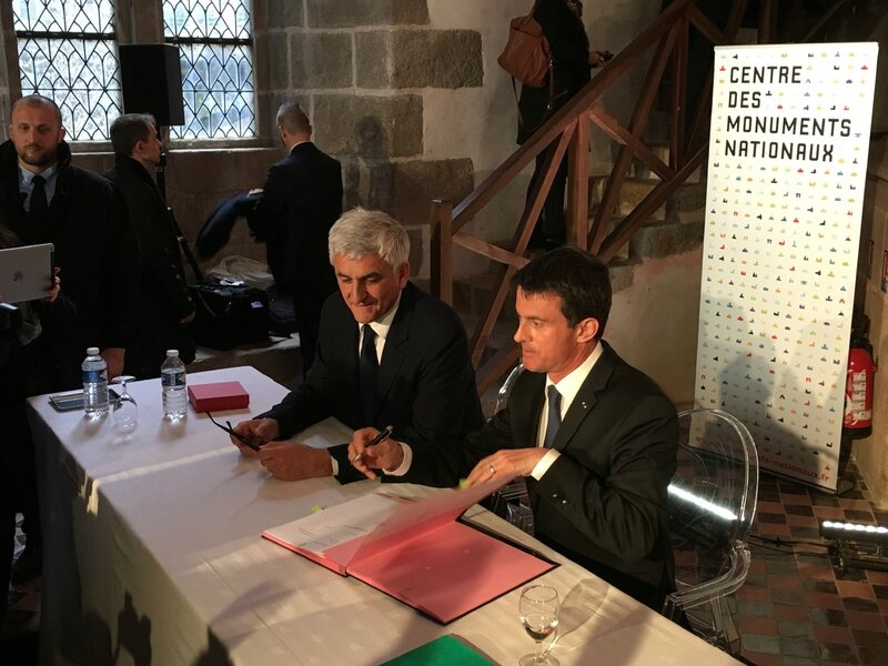 Manuel Valls Premier ministre Mont-Saint-Michel avril 2016 convention transert trains Etat région Normandie Hervé Morin