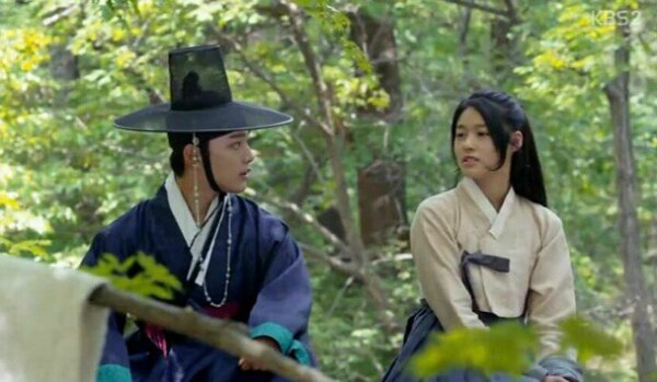 yeo-jin-goo-and-seolhyun-are-drawn-towards-each-other