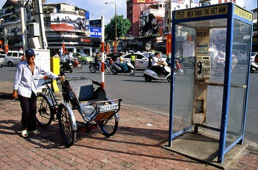 viet_nam_saigon_rikshaw_cabine