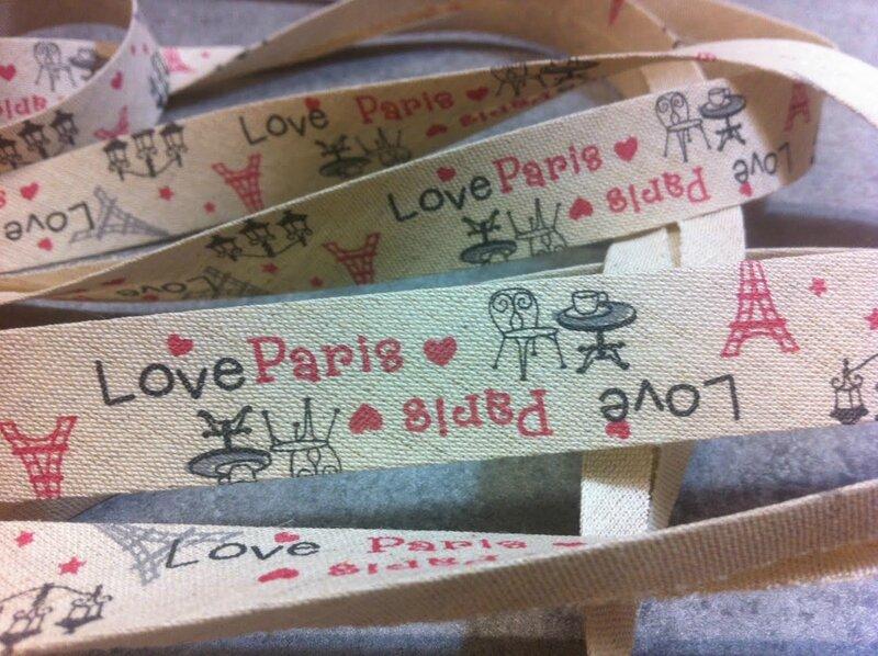 biais-biais-fantaisie-imprime-love-pari-6392701-love-paris-jpg-0892-7a279_big