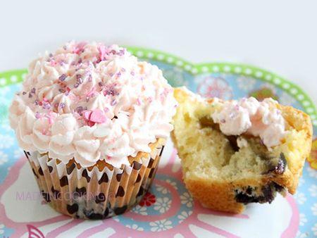 CupcakeMyrtilchocblanBLOG13
