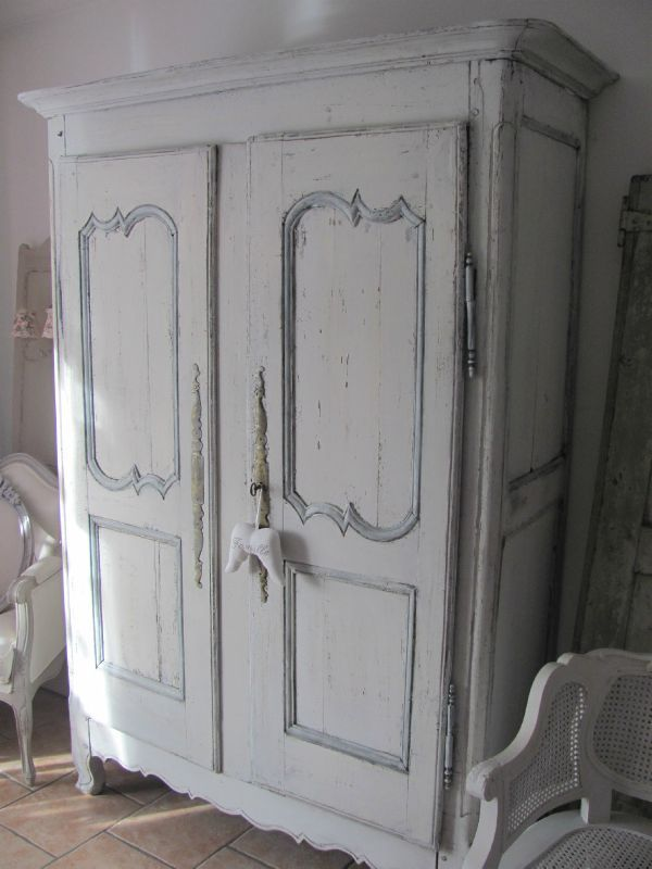 Louis xv louise patine for Armoire penderie petite largeur