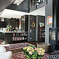 Un appartement aux murs gris