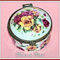 Boîte à pilules porcelaine décor bouquet de roses Viviane 29-09-2013