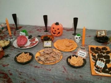repas halloween quelques photos the walking cake. Black Bedroom Furniture Sets. Home Design Ideas