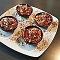 Sphère croustillante, mousse au chocolat et ganache au caramel