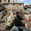 Une conférence sur les fouilles du château de gien... à orléans.
