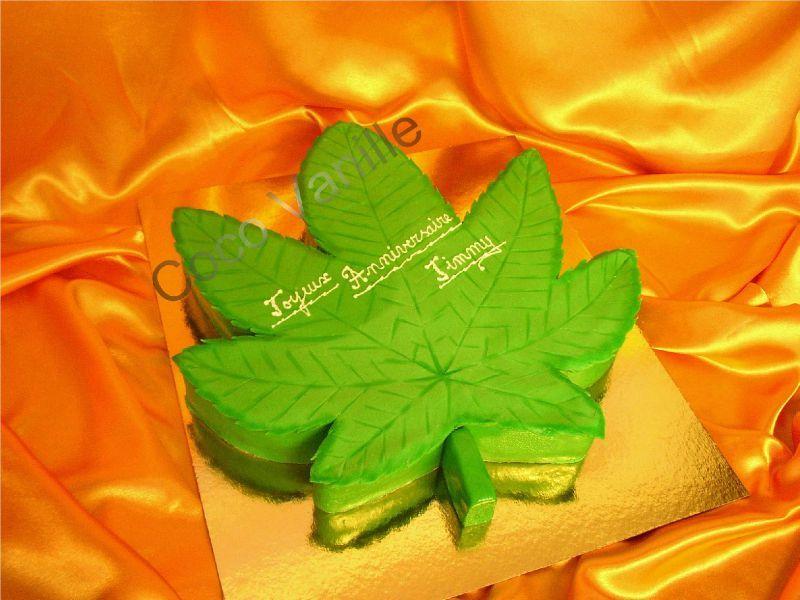 gâteau feuille de cannabis forêt noire - les pâtisseries de coco