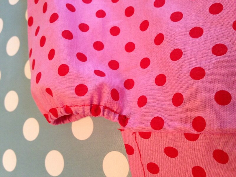 robe rose a pois rouges modele susanne 12A 2